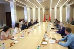 Председатель Совета Республики Наталья Кочанова встретилась с членами Молодежного парламента