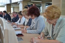 ОНТ. Совет Республики принял к сведению декрет, упрощающий процесс создания профсоюзов